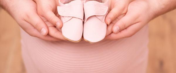 Babyfotobochum-Babybauch-rosa